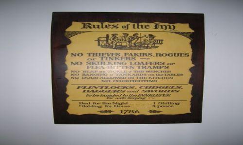 Zdjecie AUSTRALIA / NSW / Droga nad morze / Koszt noclegu w hotelu  a Australii: 1 szyling= 10 centow w 1786 r,