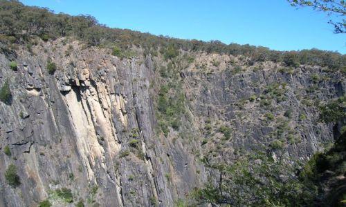 Zdjecie AUSTRALIA / NSW / Okolice Wolcha,pn-wschod od Canberry / Klify w Oxley National Park