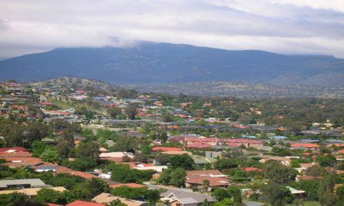 Zdjęcie AUSTRALIA / ACT / Okolice Canberry / Mt. Tennant za chmurami