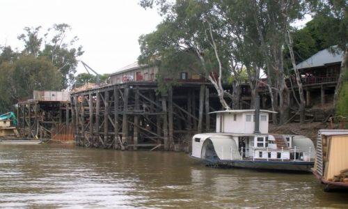 Zdjecie AUSTRALIA / Victoria / Echuca / Zabytkowy, drewniany port w Echuca