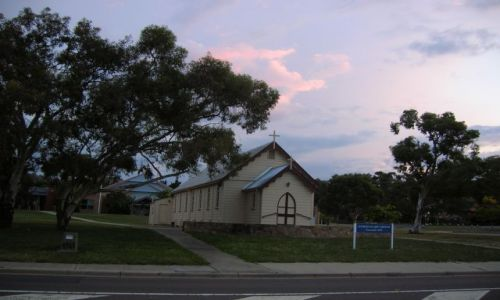 Zdjęcie AUSTRALIA / ACT / Canberra / Zabytkowy kosciolek o zmierzchu