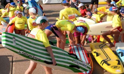 Zdjęcie AUSTRALIA / Nowa Południowa Walia / Sydney / Mali surferzy