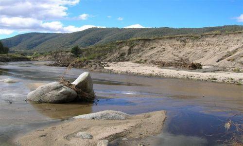 Zdjecie AUSTRALIA / Wsch. Australia / Australian Alps / Osuniety brzeg-Nass River