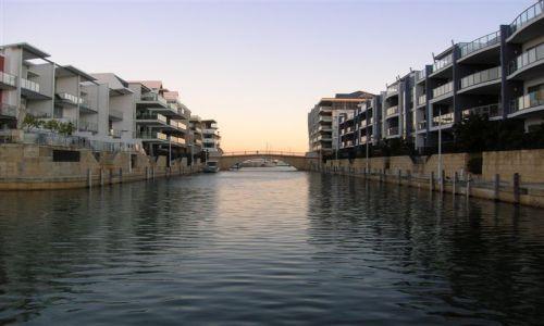 Zdjęcie AUSTRALIA / Zach.Australia / Mandurah marina / Wenecki kanal--na podobienstwo Wenecji