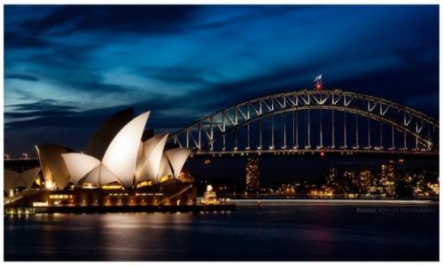 Zdjecie AUSTRALIA / Sydney / Sydney / Harbor Bridge Skyline