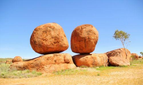 Zdjecie AUSTRALIA / Terytorium P�nocne / Uluru  / Diabelski kulki