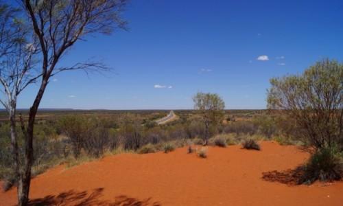Zdjecie AUSTRALIA / Terytorium Północne / Uluru / Patrzeć jak wszystko zostaje w tyle