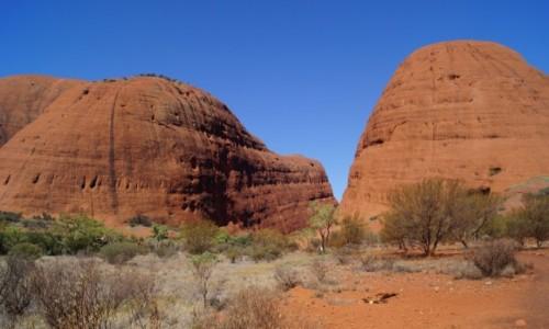 Zdjecie AUSTRALIA / Terytorium Północne / Ayers Rock / Uluru od tyłu