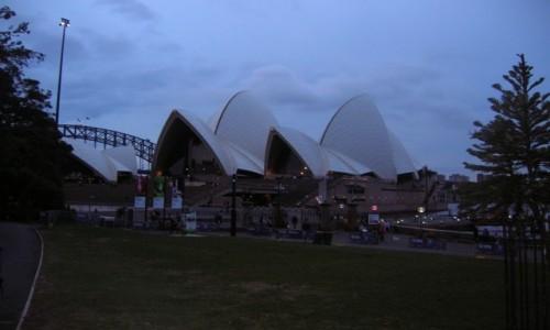 Zdjecie AUSTRALIA / Sydney / Centrum / Opera house w nocy