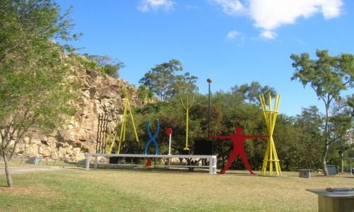 Zdjecie AUSTRALIA / Queensland / Kangooroo peninsula / Rzezby nad rzeka Brisbane