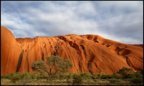 AUSTRALIA / N.T / Uluru / Uluru