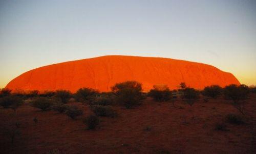 Zdjecie AUSTRALIA / Norther Teritory / Ayers Rock / Ayers Rock zachód słońca