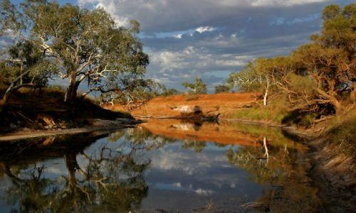 Zdjecie AUSTRALIA / Outback / ok. Cobra Station / Rzeka z wodą