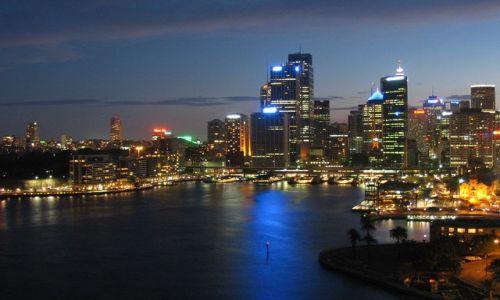 AUSTRALIA / brak / Sydney / downtown nocą