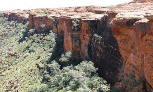 Zdjęcie AUSTRALIA / Terytorium Północne / King`s Canyon / Urwisko