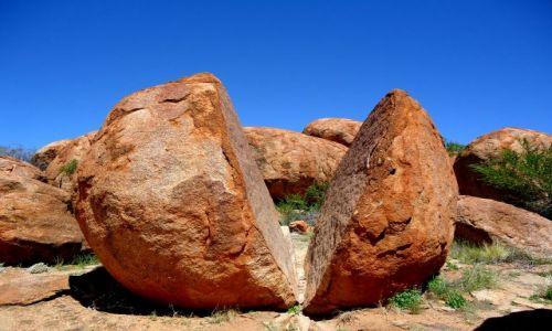 Zdjęcie AUSTRALIA / Terytorium Północne / Warumungu / Jaja tęczowego węża czyli Devils Marbles