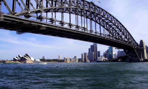 Zdjęcie AUSTRALIA / południowa Australia / Sydney / widok na Operę  od strony Harbour Bridge