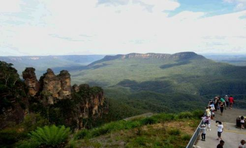 AUSTRALIA / NSW / Katoomba / Three Sisters z Echo Point