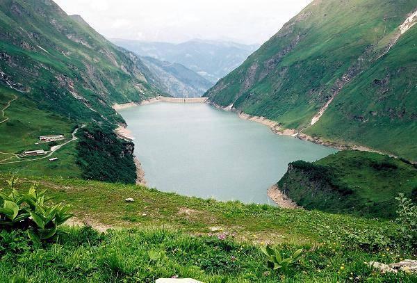 Zdjęcia: Zapora na jeziorze Mooserboden widok na jezioro Wasserfallboden, Salzburger Land, Na drugiej tamie, AUSTRIA