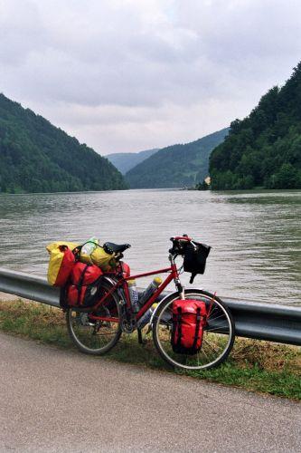 Zdjęcia: Dunaj., Ścieżka nad Dunajem., Kaniony nad Dunajem., AUSTRIA