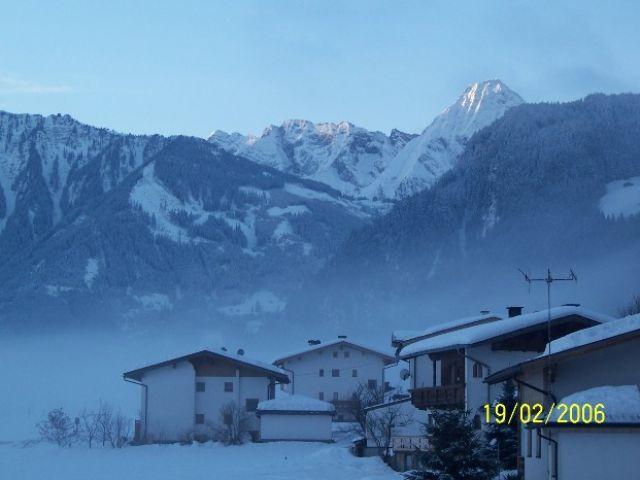 Zdjęcia: Zell, Dolina Zillertal, Zaraz po 6 rano..., AUSTRIA