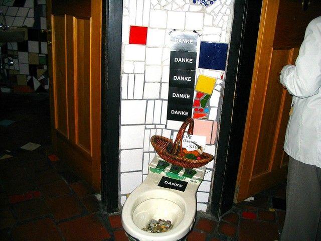 Zdjęcia: Wiedeń, toaleta - skarbonka..., AUSTRIA