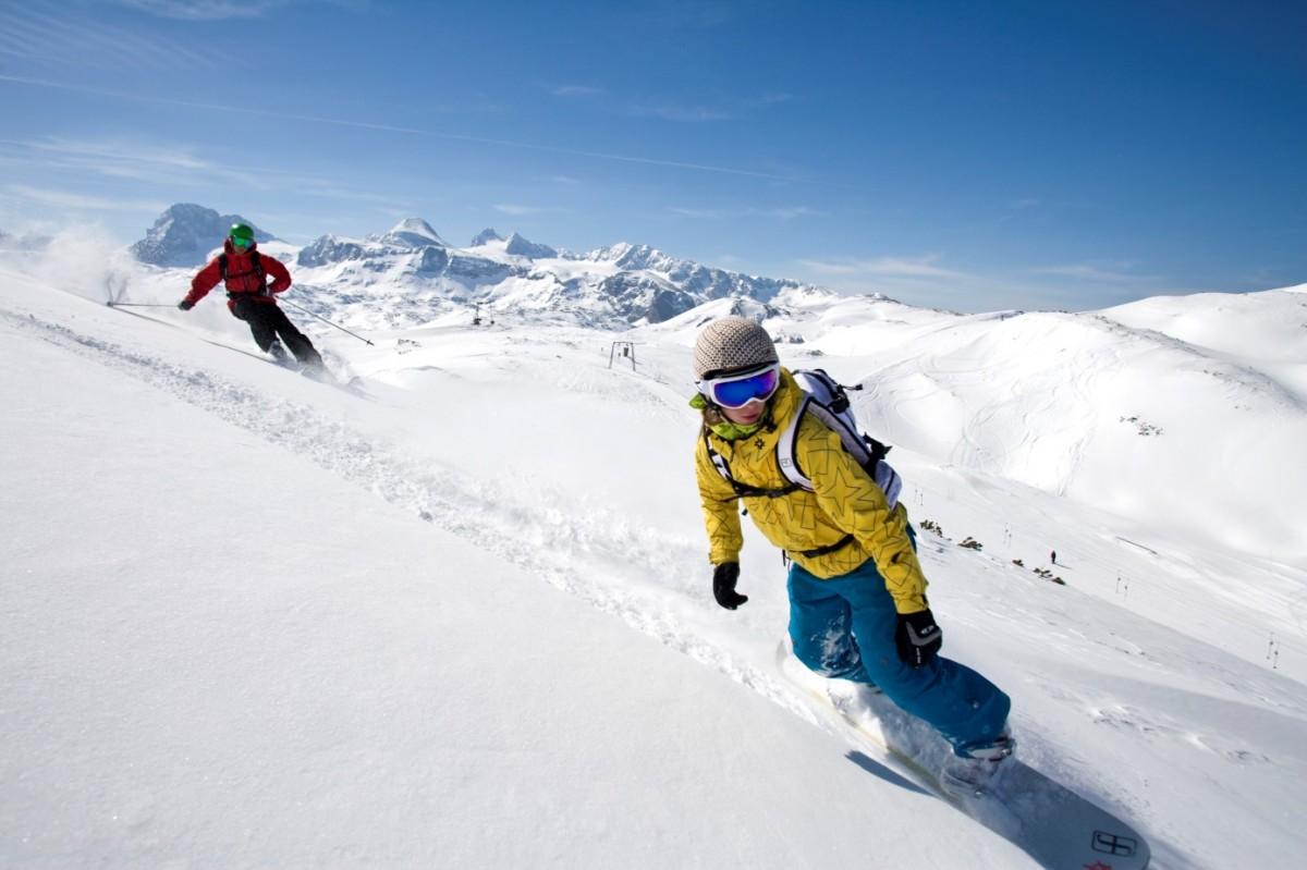 Zdjęcia: Krippenstein, Dachstein, Snowboardziści i narciarze na terenie Freesports Arena Dachstein Krippenstein, AUSTRIA
