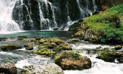 AUSTRIA / Salzburger Land / Okolice miejscowości Golling, Wodospad Schwarzbachfall zwany też Gollinger Wasserfall / Urok wodospadu