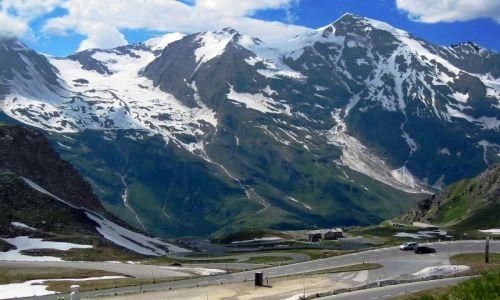 Zdjecie AUSTRIA / Karyntia, Tyrol wschodni / po drodze do lodowca Pasterze / Droga między górami