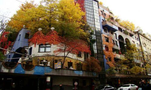 Zdjecie AUSTRIA / - / Wiedeń / Jesienny Hundertwasser