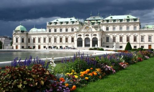 AUSTRIA / Wiedeń / Pałac Belvedere / Belvedere przed burzą