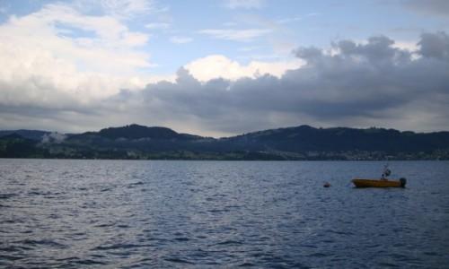 Zdjęcie AUSTRIA / Alpy Salzburskie / Gmunden / Nad jeziorem.