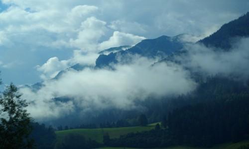 Zdjecie AUSTRIA / - / Austria / -  poranne mg�y