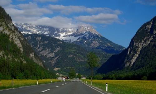 Zdjecie AUSTRIA / kraj związkowy  Salzburg / po drodze do Zell am See / widok oglądany przez szybę