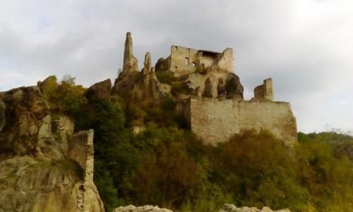 AUSTRIA / Dolina Wachau / Dürnstein / Ruiny zamku w Dürnstein