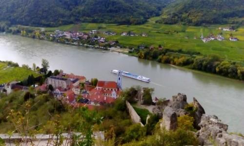 AUSTRIA / Dolina Wachau / Dürnstein  / Widok na Dürnstein