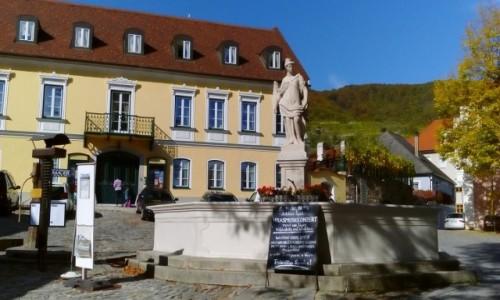 Zdjęcie AUSTRIA / Dolina Wachau / Spitz / Plac w Spitz