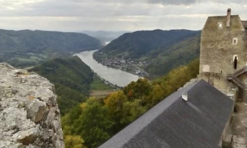 AUSTRIA / Dolina Wachau / Aggstein / Zamek Aggstein - widok na Dunaj