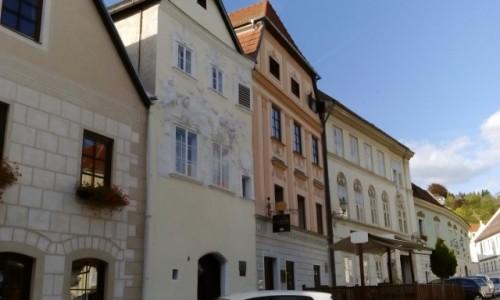 AUSTRIA / Dolina Wachau / Krems / Kamieniczki w Krems