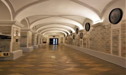 Zdjecie AUSTRIA / Stolica / Wiedeń / Wiedeń, klasztor i kościół Minorytów z XVII w.