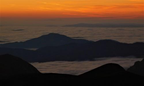 Zdjecie AUSTRIA / alpy / hochschwab / Wschód słońca powyżej chmur