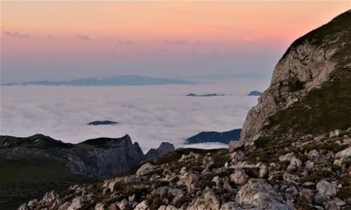 AUSTRIA / alpy / na szlaku / Wschód słońca powyżej...