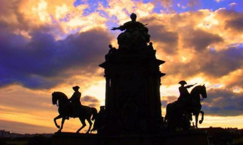 Zdjecie AUSTRIA / Wiedeń / Przed Muzeum Sztuk Pięknych / Pomnik cesarzowej Marii Teresy
