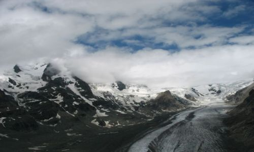 Zdjecie AUSTRIA / Alpy / okolice Glossglokner i lodowca Pasterze / Znikajacy lodowiec i najwyzsza gora Austrii