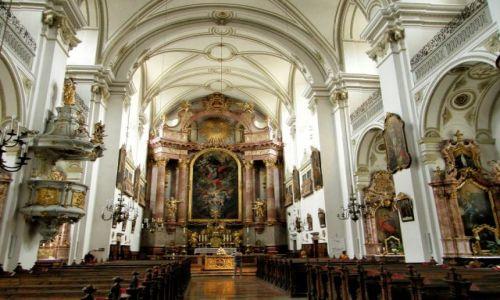 Zdjecie AUSTRIA / Górna Austria / Steyr / Wnętrze kościoła św. Michała Archanioła