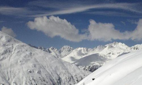 AUSTRIA / -Tyrol Wschodni / Kals am Grossglockner / Trochę zimy