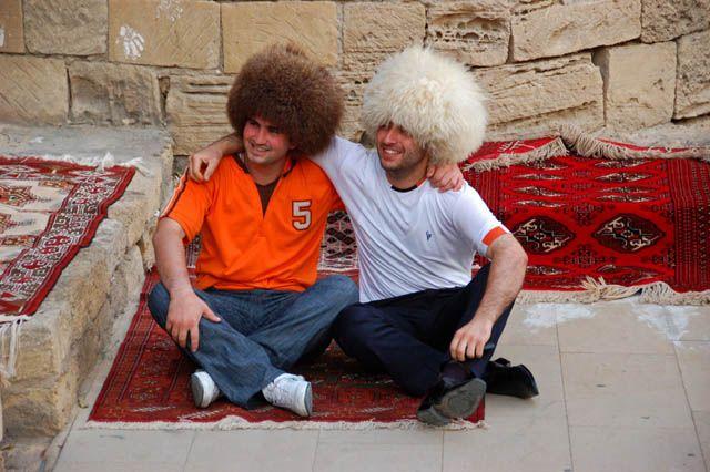 Zdjęcia: okolice Baku, kumple, AZERBEJDżAN
