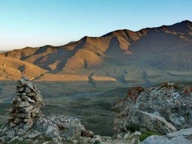 Zdjęcia: Widok ze zboczy Szachdagu na leżącą poniżej dolinkę., Wielki Kaukaz, Wielki Kaukaz, AZERBEJDżAN