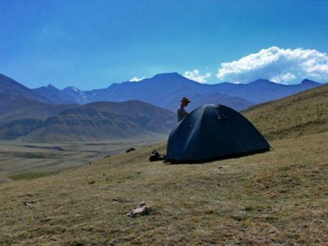 Zdjęcia: Na zboczach Szachdagu (4232m)., Wielki Kaukaz, To się nazywa biwak, AZERBEJDżAN