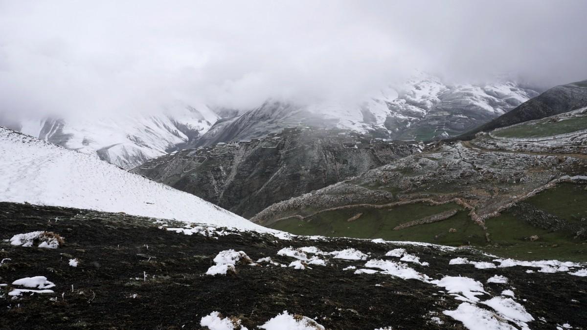 Zdjęcia: Chynałyg, Guba, Zagubiona wśród gór wieś Chynałyg (Xinaliq), AZERBEJDżAN